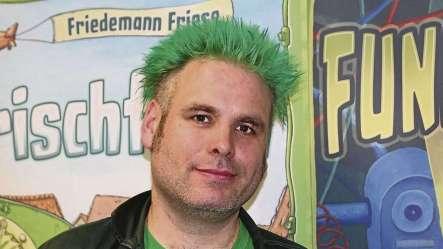 FriedemannFrieseInFrontOfHisGames